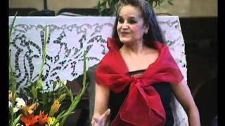 preview picture of video 'Pilar Rodriguez canta CARMEN-HABANERA Sagrada Familia Barcelona'