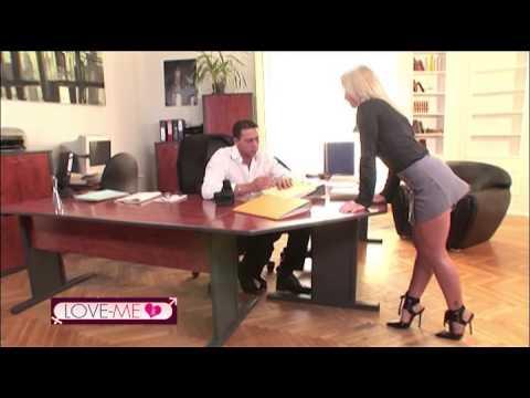 Video porno Ragazze che hanno sesso con gli animali