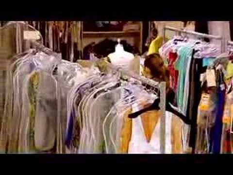 """Sex and the City (Featurette - """"Back in Fashion"""")"""