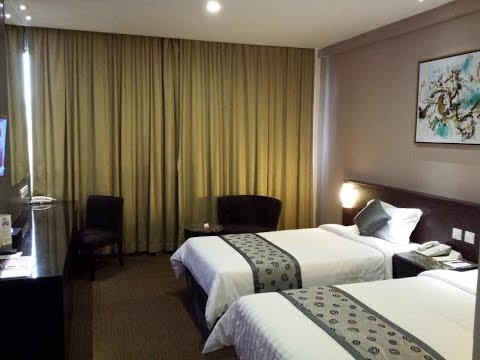 Hotel Royal at Newton Singapore Deluxe Room Review