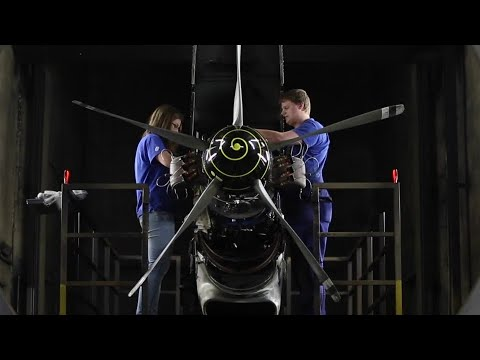 mp4 Aerospace Engineering And Operations Technicians, download Aerospace Engineering And Operations Technicians video klip Aerospace Engineering And Operations Technicians