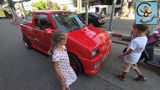Дети и машины, спасаем краба. МанкиТайм в Таиланде.