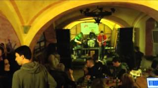 Video Vinohrady + Pár černejch koní