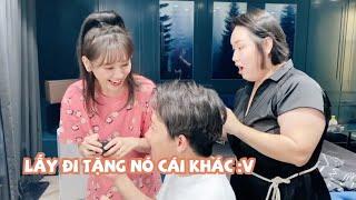 (한) Hari Won Tặng Quà Sinh Nhật Cho Gill Hair Stylist Nhưng Trấn Xìn Không Quên Cà Khịa 하리가 길에게 선물을!
