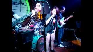Baby one more time - Dan Bui at Acoustic bar