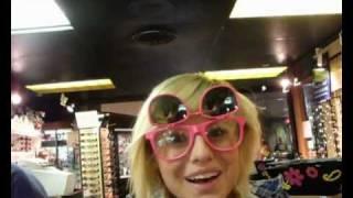 Tabby Ridiman, Класные очки=)