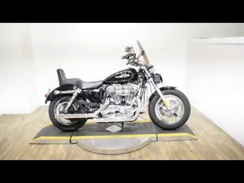 2011 Harley-Davidson Sportster® 1200 Custom in Wauconda, Illinois - Video 1