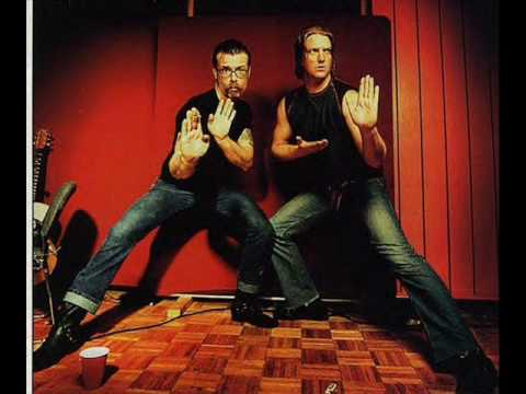 cheap thrills-eagles of death metal