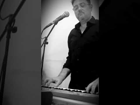 CHARLIE SORRENTINO LIVE ENTERTAINMENT Piano Bar & Live Show Napoli Musiqua