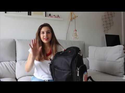 Viaje en avión con bebé: imprescindibles en el equipaje de mano
