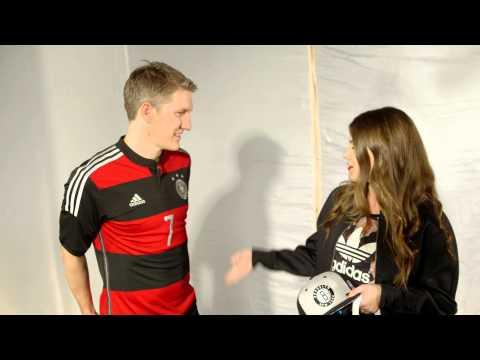Adidas DFB Trikot WM 2014 Away mit Bastian Schweinsteiger
