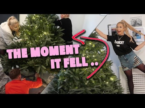 PUTTING UP OUR CHRISTMAS TREE!! SUCCESS OR FAIL?! 😳😱