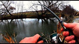 Ловля спиннингом на озере поздней осенью