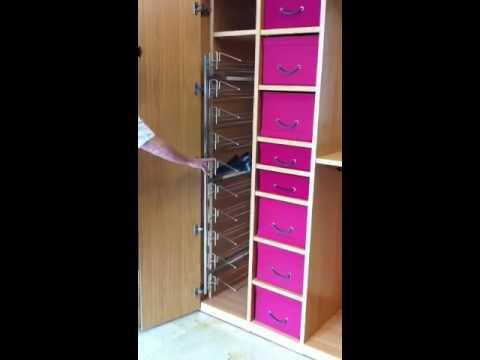 Zapatero lateral extraible para armario