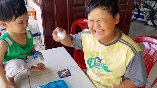 Trò Chơi Thử Thách Đập Trứng Lên Đầu Egg Roulette Challenges ❤ TinTin TV ❤
