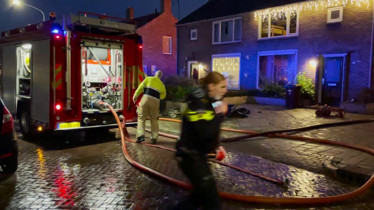 Uitslaande brand verwoest schuurtjes in Sappemeer