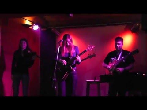 Greta - Greta - Látat srdce dírou od knofliku  Acoustic Vol.2 27.2.2016