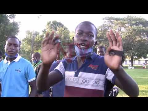 TUKOOYE KALANTIINI: E Kayunga waliwo abeekyanze