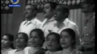Mahendra Kapoor sings 'mere desh ki dharti' - YouTube