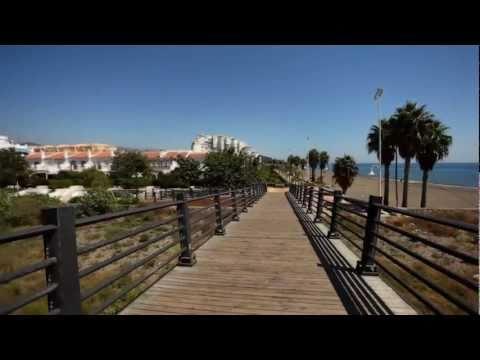 Algarrobo: De la Axarquía al mar