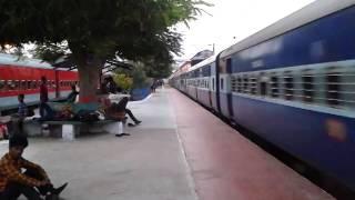 Indian Railways - 12387 Jan Sadharan SF Express (UnReserved) crossing Etawah !!