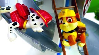 Щенячий патруль - Приключение Маршала на базе! Мультик из игрушек