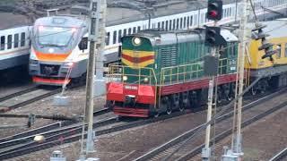 Тепловоз ЧМЭ3 с служебным поездом