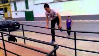 preview picture of video 'Parkour Pinos Puente V.1'