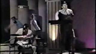 Devo - Jerkin' Back 'N' Forth (Fridays 1982)