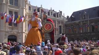 preview picture of video 'rigodon de la famille Gayant - Douai - fêtes de Gayant 2013'