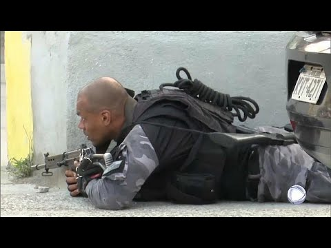 No Comment: Σκηνές γκανγκστερικής ταινίας στο Ρίο