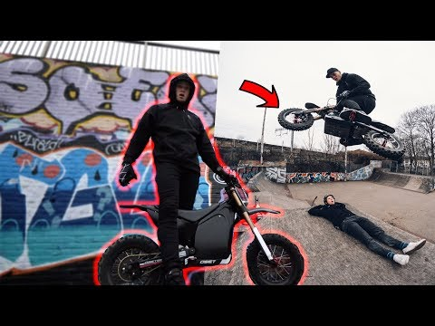 ELECTRIC DIRTBIKE AT THE SKATEPARK!