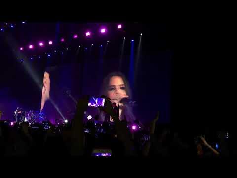 Camila Cabello w/ Jesse & Joy - Corre @ Mexico City