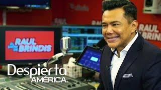 Raúl Brindis recuerda cómo una casualidad lo llevó a trabajar en la radio