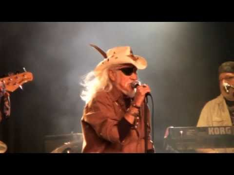 NYE 2010 With Ray Sawyer (Dr. Hook) Video 1 - Walk Right In
