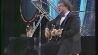 Arthur's Theme - Dudley Moore and Christopher Cross - Night of 100 Stars 1982