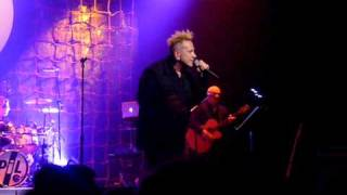 "PIL ""in the sun"" Live in Los Angeles"