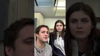 Alexandra Daddario Aprende Y Habla ESPAÑOL