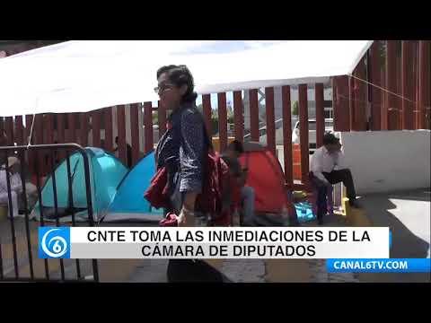 Alrededor de las 7:30 de la mañana la CNTE tomó las inmediaciones de la Cámara de Diputados