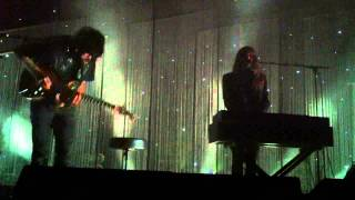 Beach House - Astronaut live at the Glass House