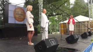 00206 Starptautiskā Jogas diena LU Botāniskajā dārzā Rigā 21.06.2016 Международный день йоги в Риге
