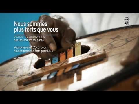 """Saliou lit """"Nous sommes plus forts que vous"""" de l'abbé Pierre"""