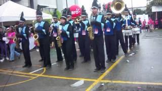 preview picture of video 'Tigre´s Band (Liceo San Martín) Participación en La Caminata Contra El Cáncer'