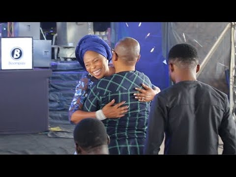 Love! See How Tope Alabi Hug Her Husband At Her Concert As She Launch Her New Album,Spirit of Light
