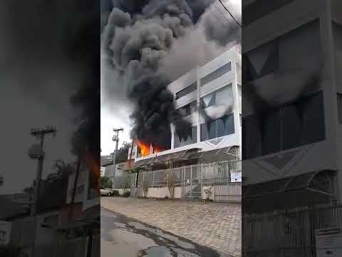 Incêndio em Águas de Lindoia SP