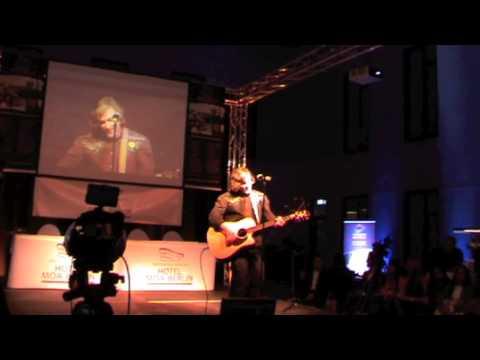 Alex Nikols Live Moa 2013
