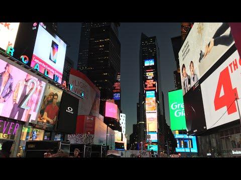 360° Walking NYC : Bryant Park Winter Village to Times Square at Night (November 11, 2019)