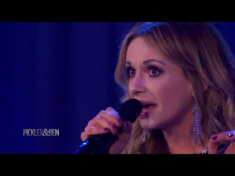 """Carly Pearce Performs """"Hide the Wine"""" - Pickler & Ben"""