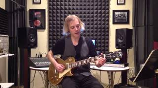 """Learn How to Play the Riff From """"Key to Love"""" by Eric Clapton & John Mayall - Blues Guitar Lesson"""
