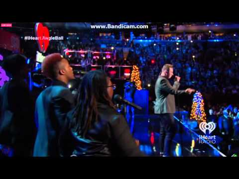 Joy sings BGV for Sam Smith: Madison Square Garden...